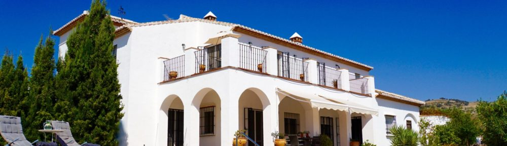 Wonderful spacious cortijo in a rural location